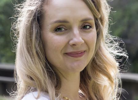 Lia Pinelli Headshot